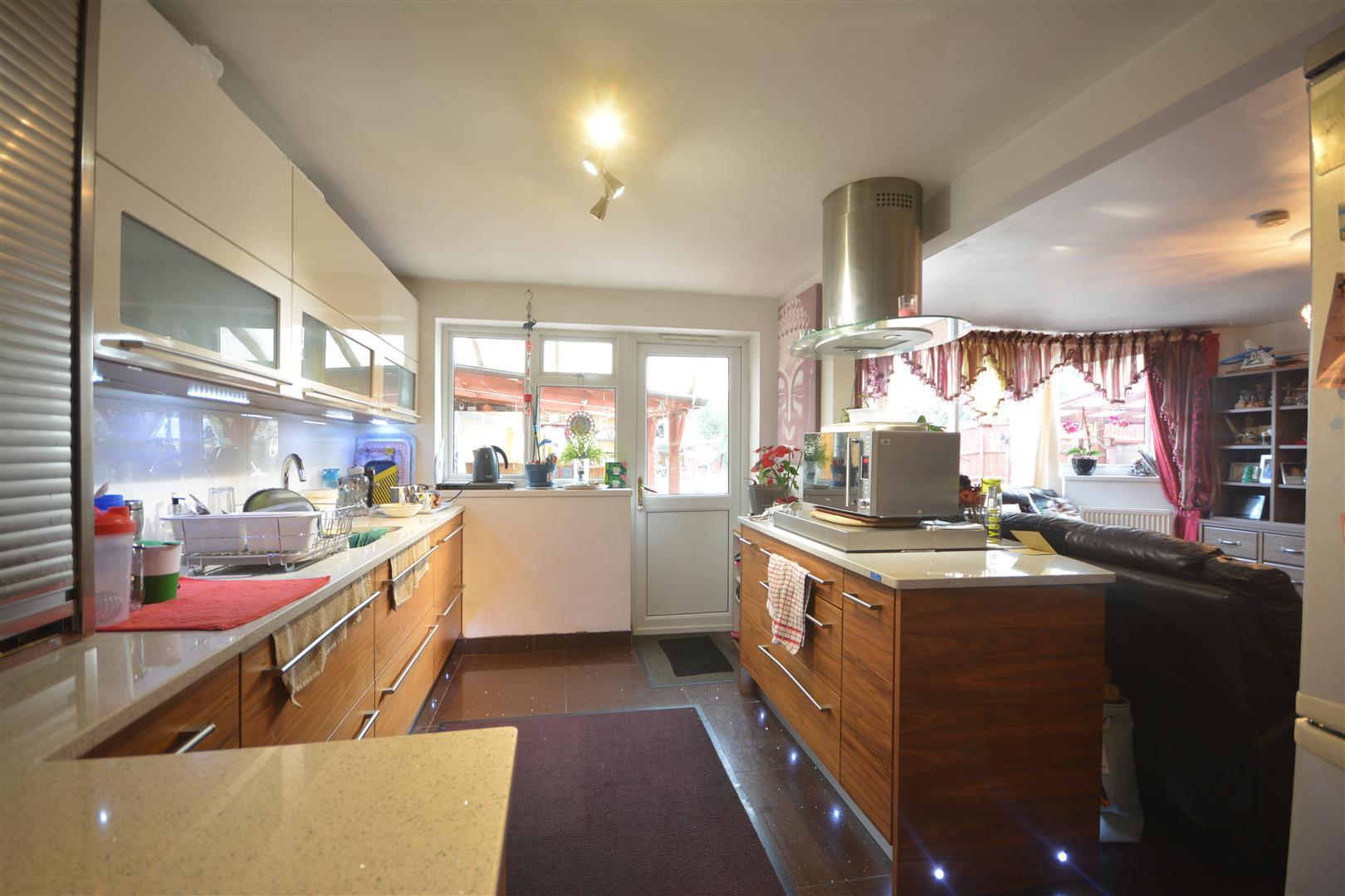 kitchen area 5.JPG